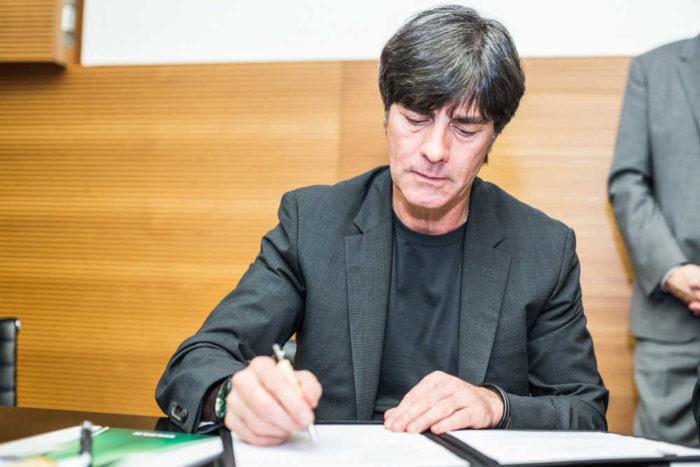 Joachim Löw bleibt dem DFB treu - Vertragsverlängerung Deutschland bis 2018 – Foto aus März 2015 - Foto: Getty Images